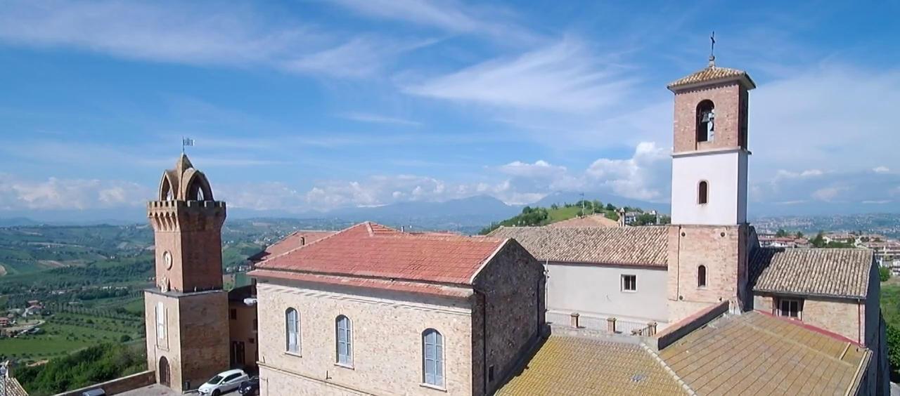 Torre dell'orologio a Tortoreto